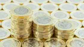 Labour promises public service worker pay rise