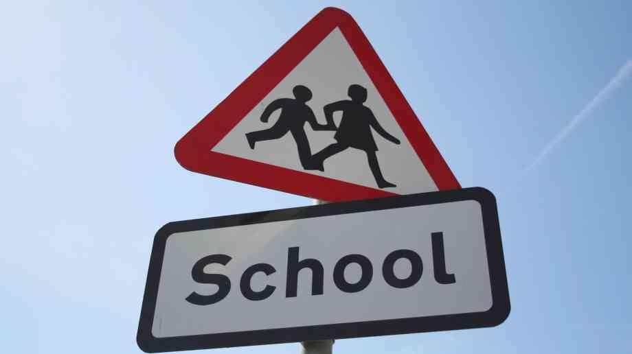Minister praises Boarding School Partnership scheme